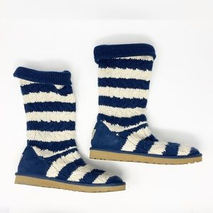 UGG Australia Cable knit blue and cream boots 9